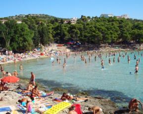 4. Strandpartys vom Feinsten feiern - am beliebten Sandstrand Slanica
