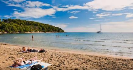 6. Der Strand Vela Przina auf Korcula mit herrlichem Blick auf die Insel Lastovo