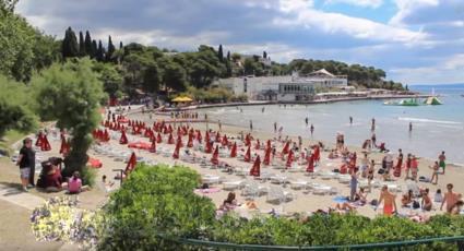 7. Am Sandstrand Bacvice in Split Picigin spielen feiern oder entspannen
