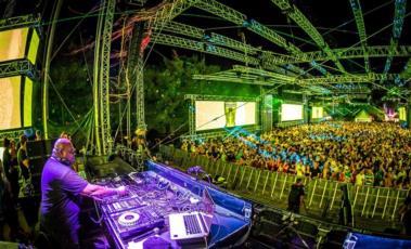 Alle deutschen Festivals schon gesehen Ab zur Party in Kroatien